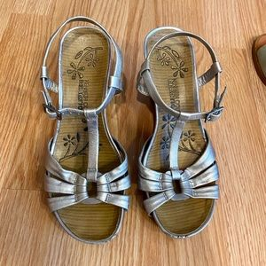 Kenneth Cole Reaction Silver Wedge Sandal